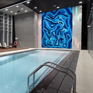Décoration murale pour une piscine intérieure privée. Peinture Océan de Guillevic